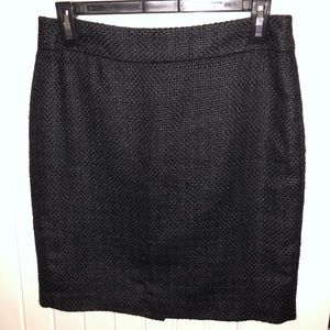 Mid length tweed style skirt